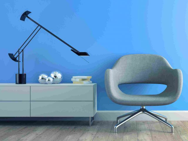 http://www.pocketworth.in/wp-content/uploads/2017/05/image-chair-blue-wall-640x480.jpg